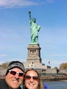 statue of liberty fake selfie